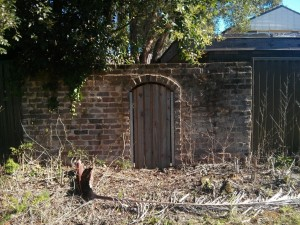 What looks like the doorway to a hobbit's house!